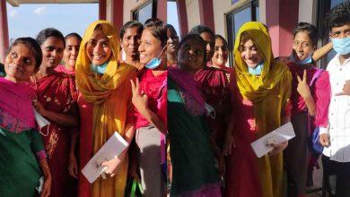 Photo of ആരാധകർക്കൊപ്പം സെൽഫിയെടുത്ത് സായിപല്ലവി, ശാരീരിക അകലം പാലിക്കാത്തതിന് താരത്തിനെതിരെ വിമർശനം