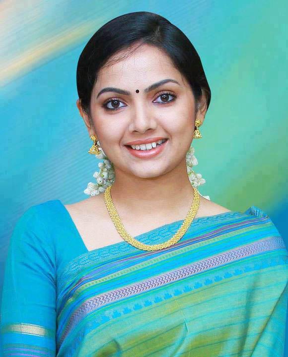Samvrutha-Sunil-profile-family